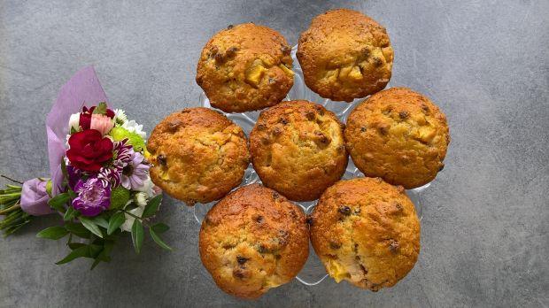 Muffinki na maślance z mango i żurawiną