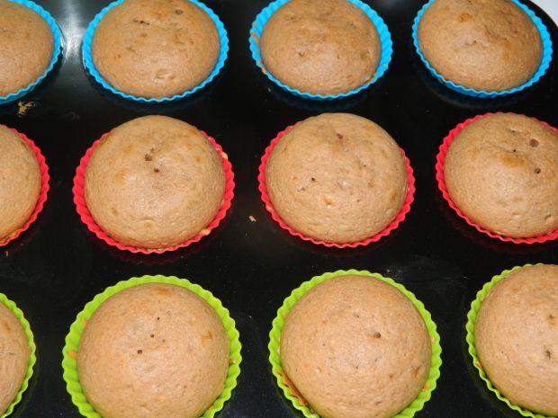 Muffinki piernikowe z kremem budyniowym