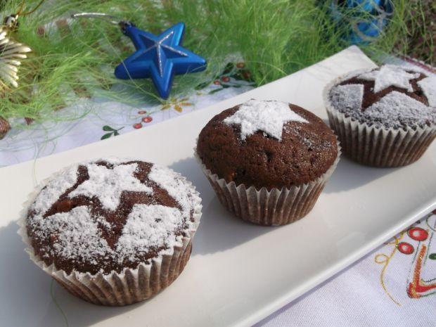 Muffinki piernikowe z orzechami