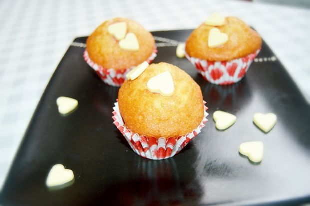Muffinki z dżemem truskawkowym