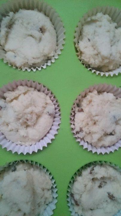 Muffinki z mąki kokosowej z bananem i rodzynkami