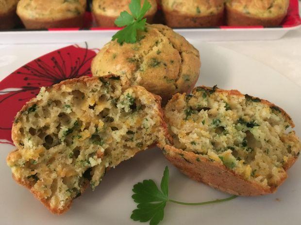 Muffinki z marchewką i kolendrą