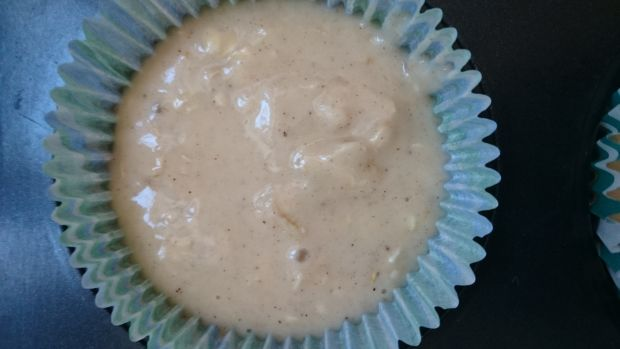Muffinki z płatkami owsianymi, miodem i miechunką