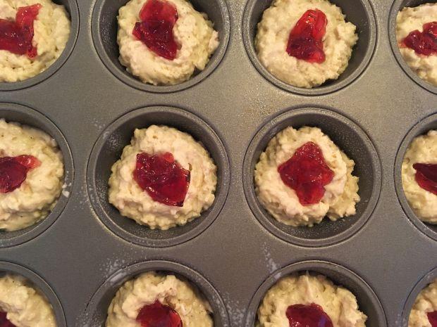 Muffinki z serem Brie i czerwoną porzeczką