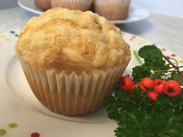 Muffinki z serem i szynką