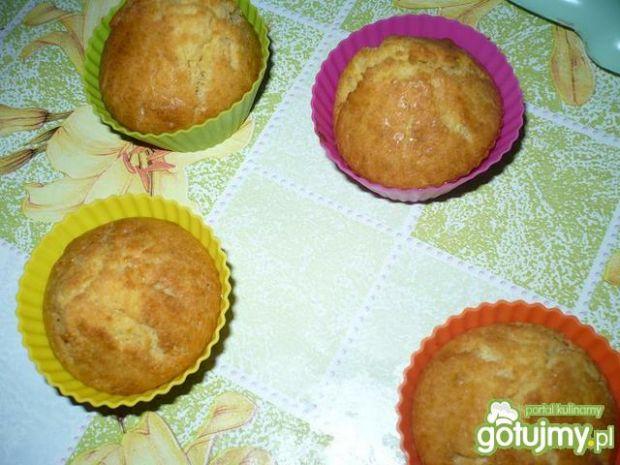 Muffinki z truskawkami i galaretką