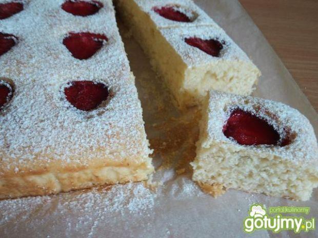 Muffinowe ciasto z truskawkami