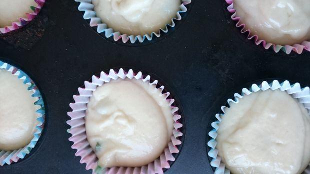 Muffiny jogurtowe z melisą