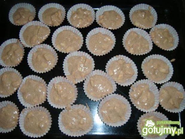 Muffiny korzenne z jabłkami