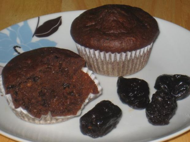 Muffiny orkiszowo-razowe ze sliwka
