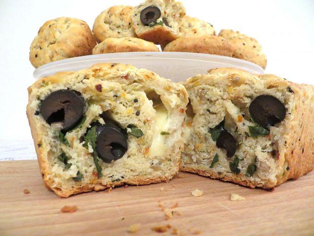 Muffiny słonecznikowe z oliwkami