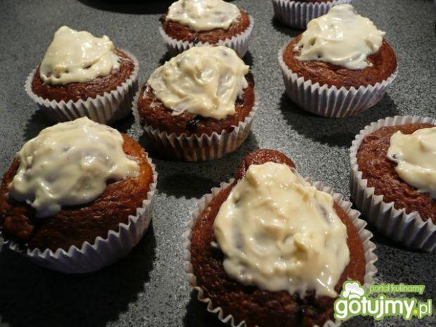 Muffiny z bananem i czekoladą