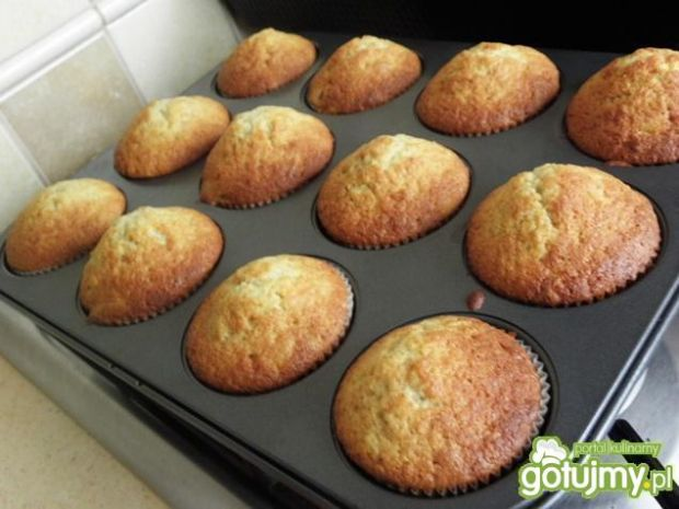 Muffiny z rabarbarem.