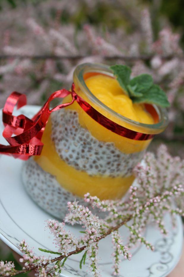Mus z mango z mlekiem kokosowym i chia