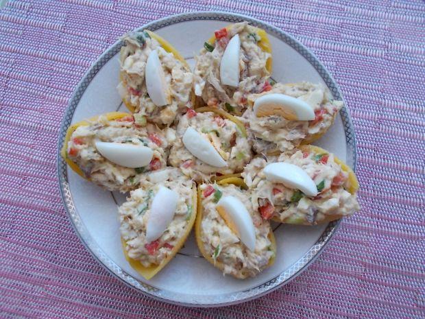 Muszle makaronowe faszerowane pastą jajeczną