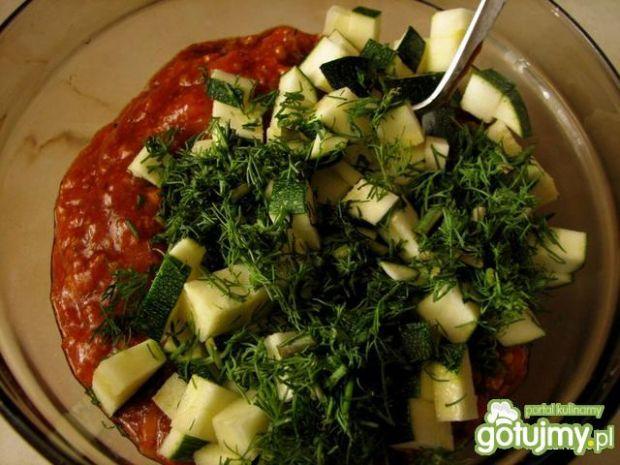 Muszle zapiekane z sosem bolońskim