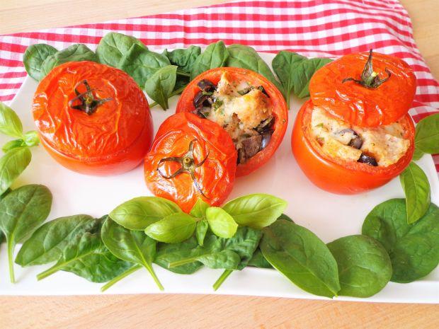 Nadziewane pomidory alla pizzaiola