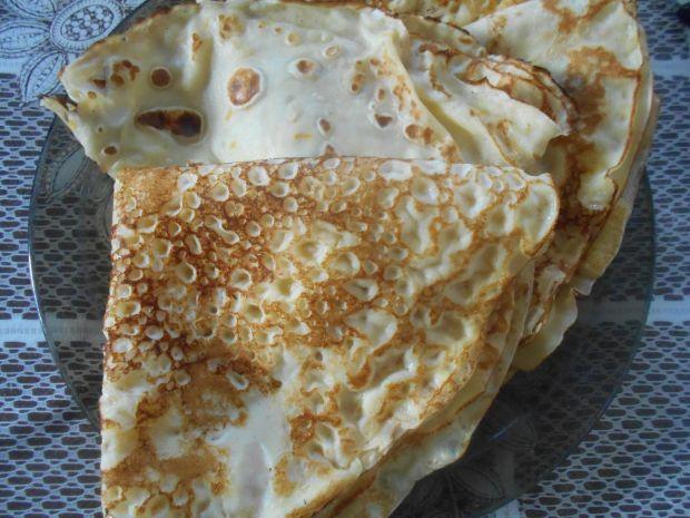 Naleśniki crepes suzette z truskawkami