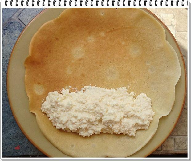 Naleśniki Eli z serem i sosem jeżynowym