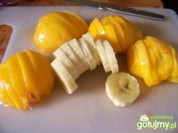 Naleśniki na ciepło z owocami