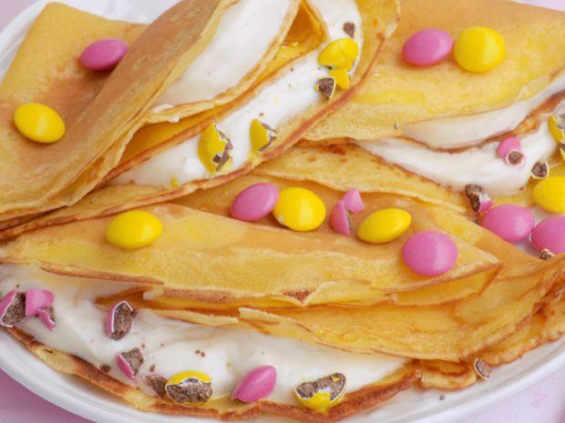 Naleśniki na soku z serkiem i cukierkami