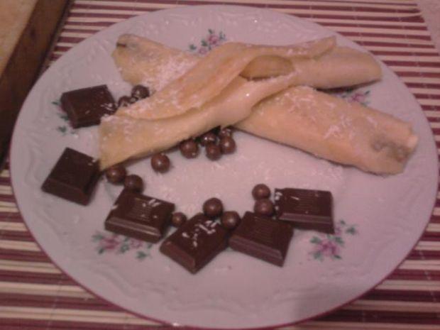 Naleśniki z bananem,czekoladą,groszkami