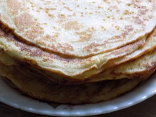 Naleśniki z białym serem i cynamonem