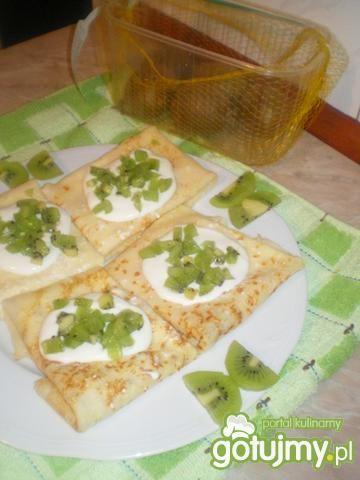 Naleśniki z serem i kiwi
