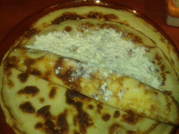 Naleśniki z serem, śmietaną i czeko - śliwką