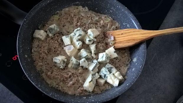 Naleśniki z tuńczykiem i gorgonzolą