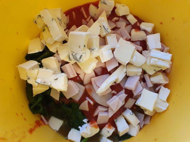 Naleśniki  ze szpinakiem  i serem lazur