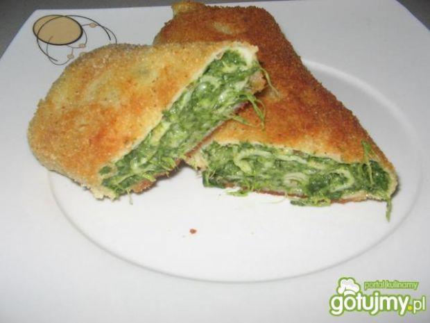 Naleśniki ze szpinakiem i żółtym serem
