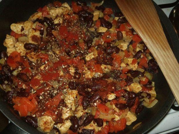 Naleśnikowe cannelloni z kurczakiem i warzywami