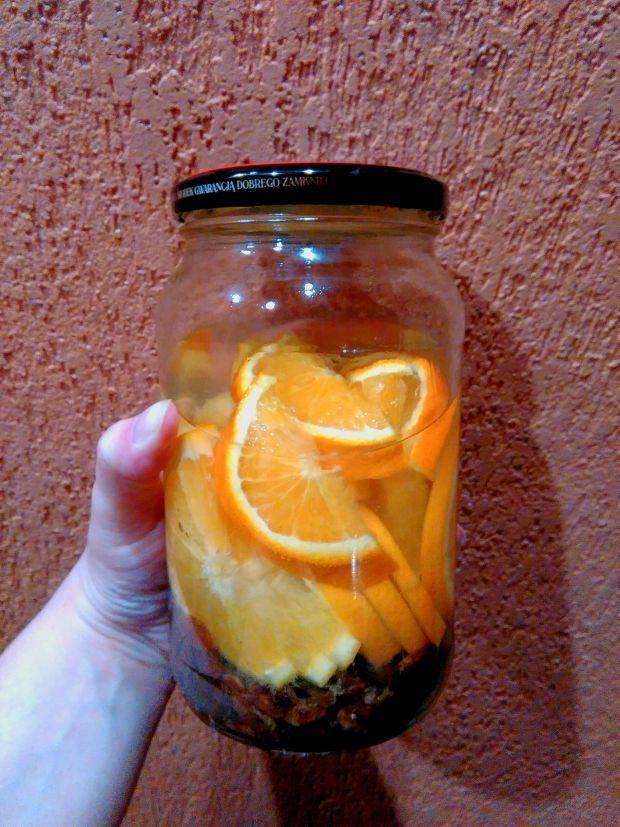 Nalewka pomarańczowo –rodzynkowa