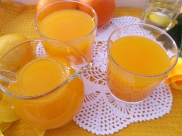 Napój marchewkowo-pomarańczowy