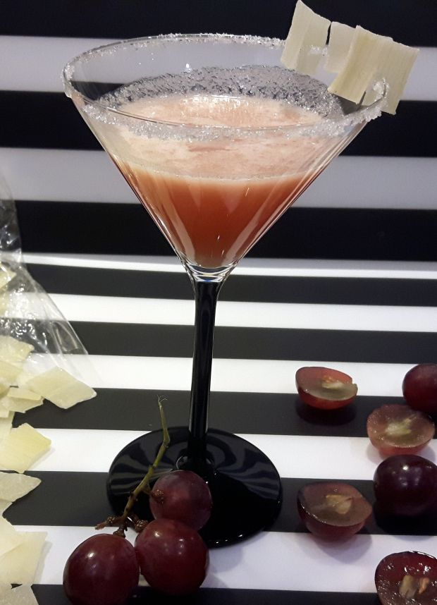 Napój winogronowy z aloesem