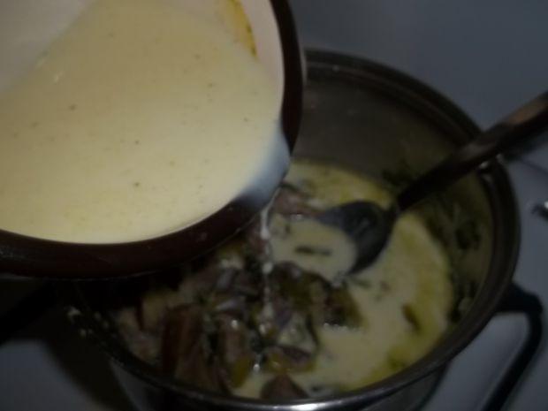 Nerki wieprzowe w sosie porowym