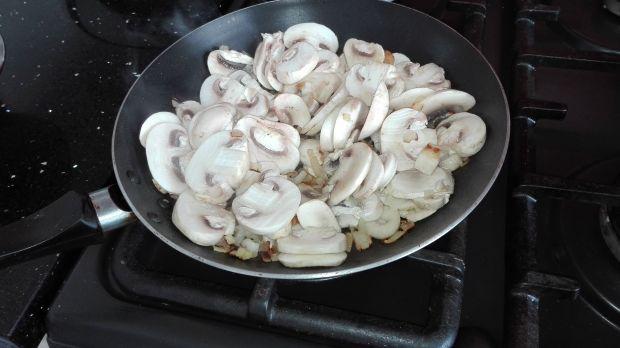 Obiad nr.1 Łosoś z pieczarkami - Dieta 1200 kalori