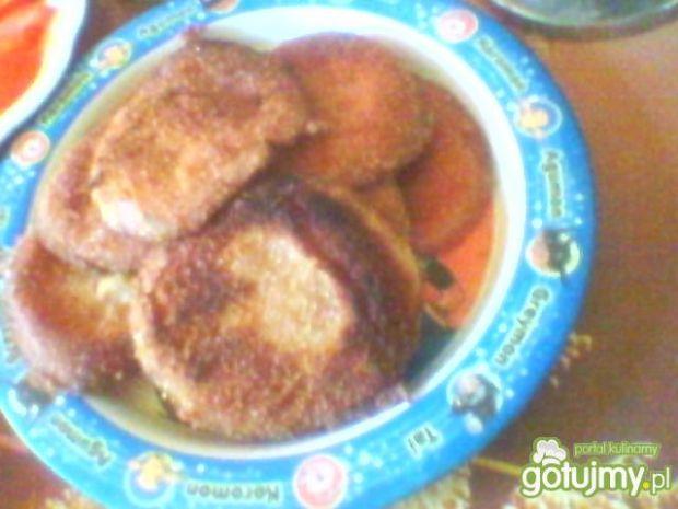 obiad z mortadelą z sosem czosnkowym