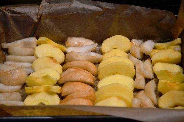 Odwrócone z gruszkami i jabłkami