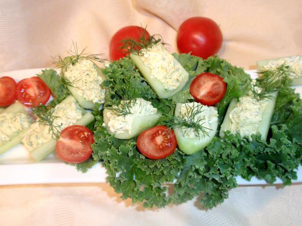 Ogórek nadziewany serkiem camembert
