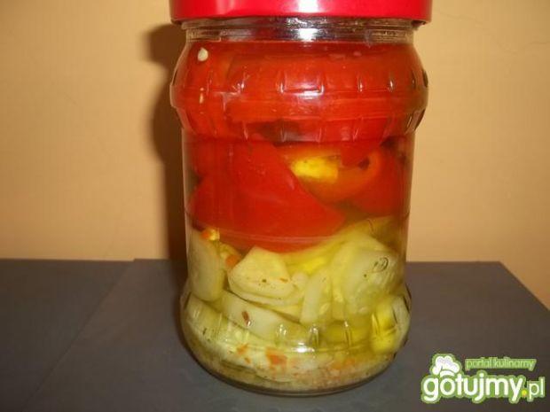 Ogórki z papryką z przyprawą vegeta