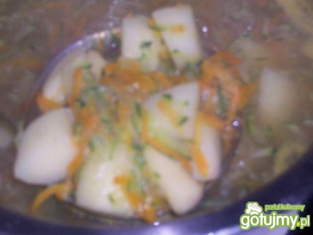 Ogórkowa kartoflanka z cukinią