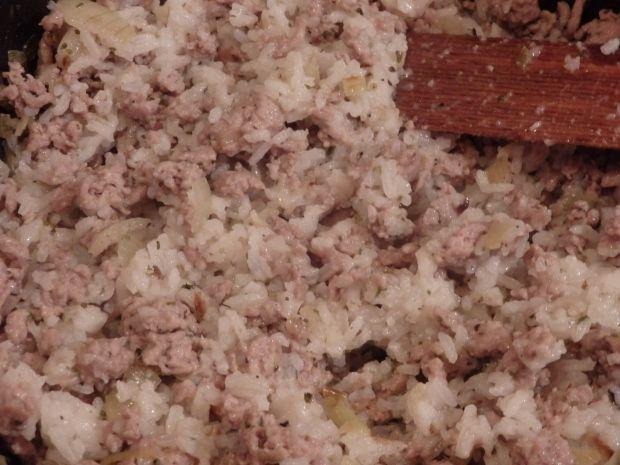 Okrągła cukinia faszerowana mięsem i ryżem