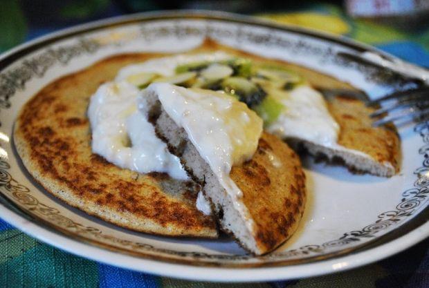 Omlet białkowy z bananowo-kokosową nutą