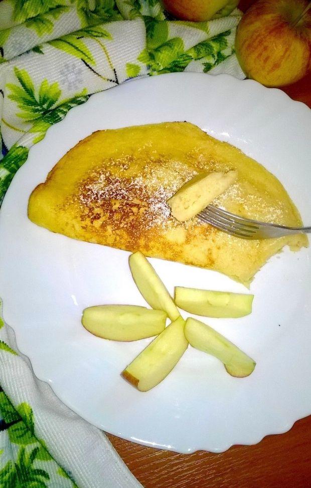 Omlet jabłkowo-miodowy