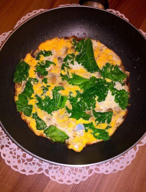 Omlet na zielono (z pieczarkami)