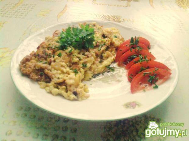 Omlet serowy z szynką