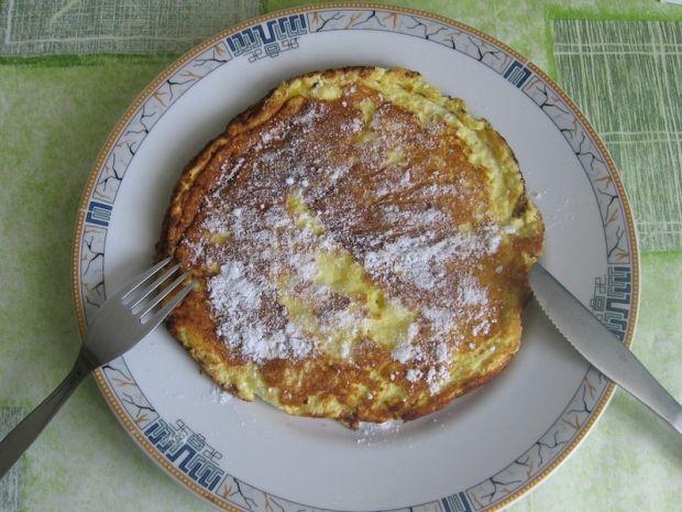 Omlet z cukrem pudrem