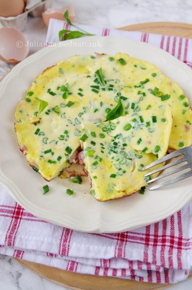 Omlet z groszkiem i szynką